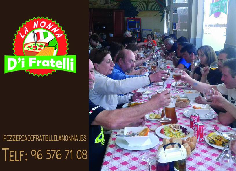 Comer con amigos o en familia en Ondara